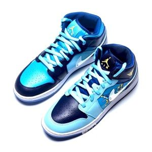 Boys NIKE AIR JORDAN 1 Mid Fly Sneakers